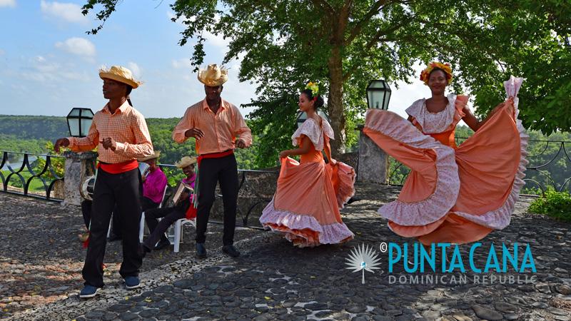 Traditional Cultural Dance & Dress - Dominican Republic